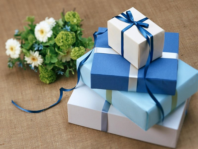 Winter_Birthday_Gift